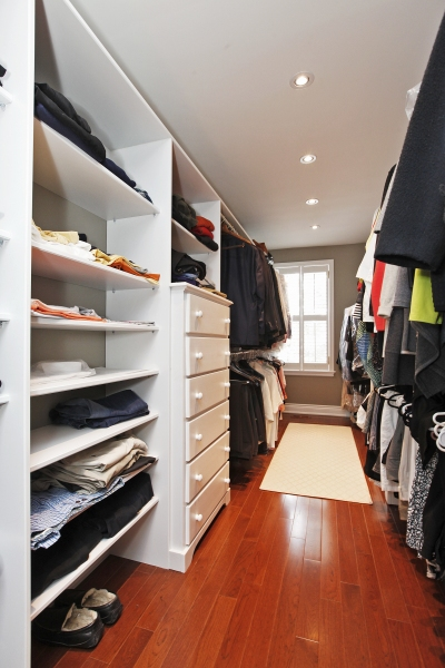 Master-Bedroom-Walk-In-Closet-1