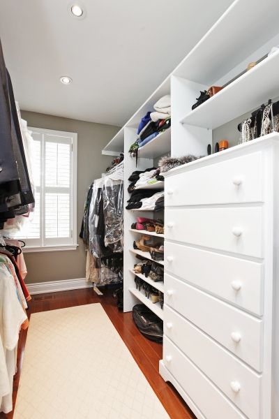 Master-Bedroom-Walk-In-Closet-2
